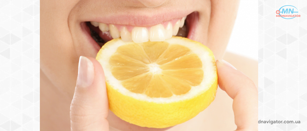 Почему желтеют зубы?